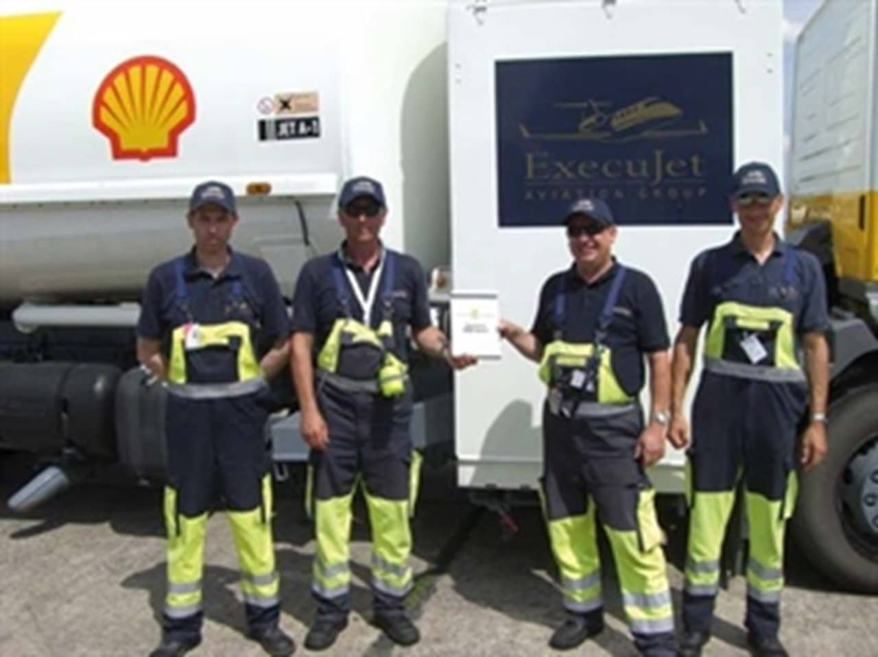 ExecuJet Germany receives Shell Silver Service Award