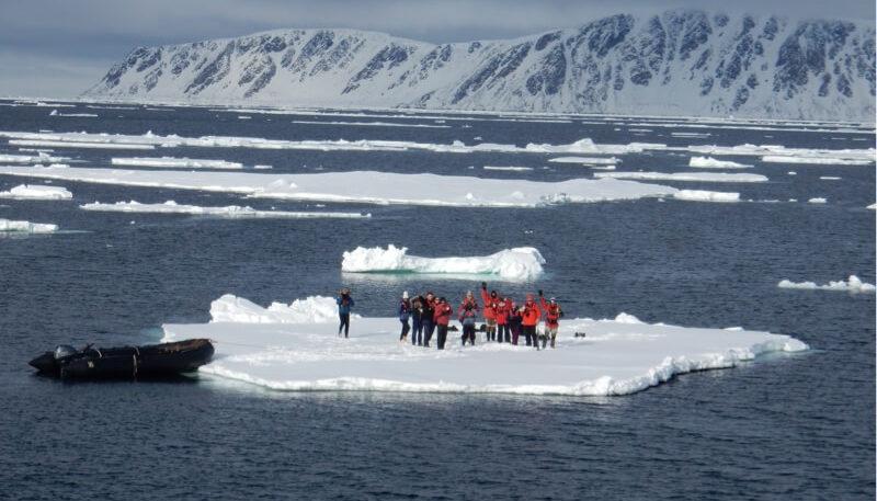 Breathtaking scenery, polar wildlife and activities